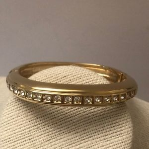 Vintage thick gold tone bracelet w/ crystals
